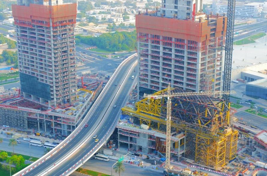 دبي تبدأ بناء «ذا لينك» أكبر مبنى أفقي معلّق في العالم