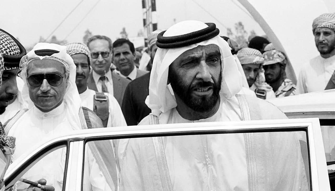 زايد رجل وطن كر س حياته لخدمة قضايــا شعبه وأمته عبر الإمارات