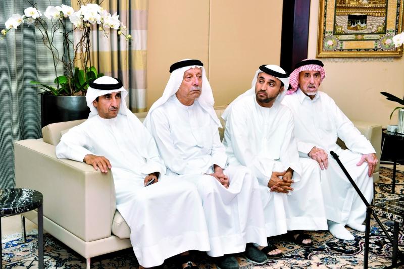 محمد بن راشد يعزّي في وفاة حرم عبدالله الغرير - البيان