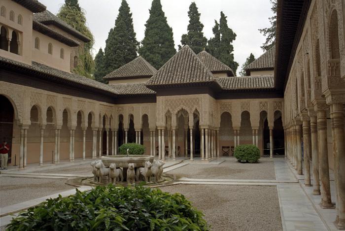 قصر الحمراء شاهد على روعة الحضارة الإسلامية  Hamrraa%20%281%29